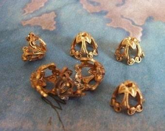 4 PC Victorian Brass Bead Cap / Jewelry Finding 8-10mm Beads  -  C0061