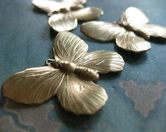 2 PC Raw Brass DECO Butterfly finding - AA15