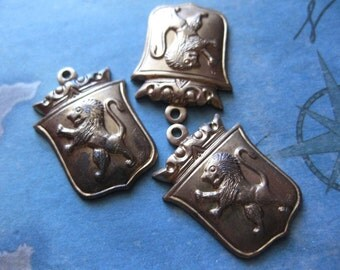 2 PC Brass Stamping Heraldic Royal Coat of Arms Lion Shield Pendant - LL07