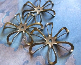 2 PC Large Brass Wire Frame Flower - MM08