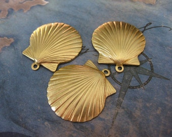 2 PC Raw Brass Oyster Shell Pendant - SS03