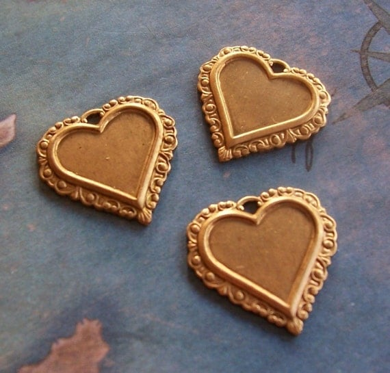 4 PC Brass Small Victorian Heart Finding -  P0349