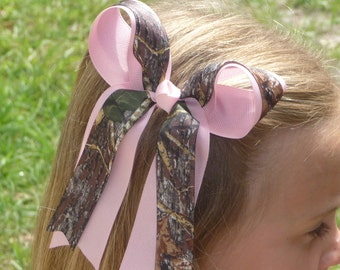 Mossy Oak Camo Hair Bow with Tails and Pink Accents