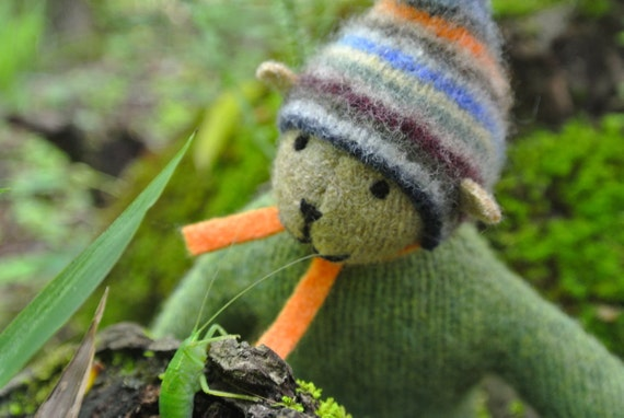 Pogo - Simon, handmade wool bear, sustainable toy