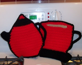 Tea Pot and Tea Cup Pot holder hot pad set in Red and Black