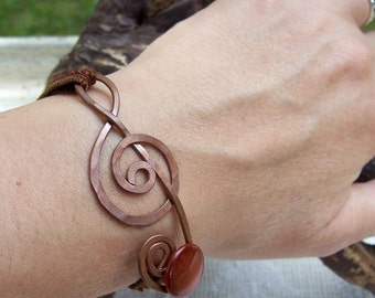 Treble Clef Bracelet, Copper and fabric, Your Choice of Colors, unique, Show off your love of music .. something different .. adjustable