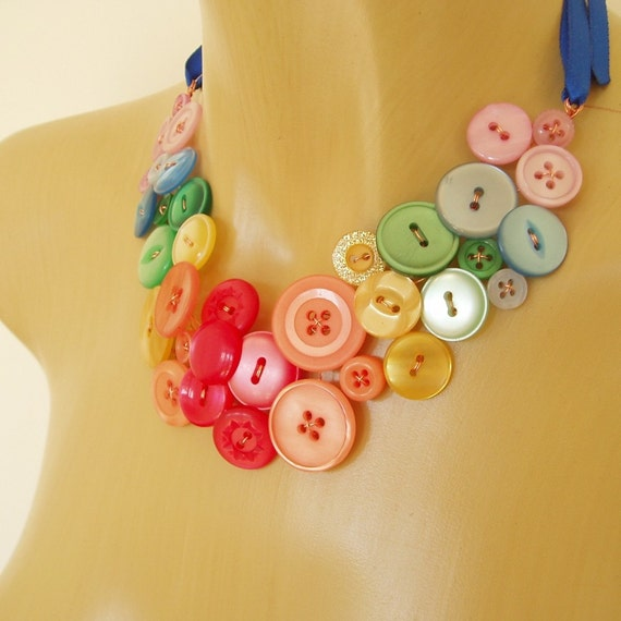 Button necklace - Over the rainbow