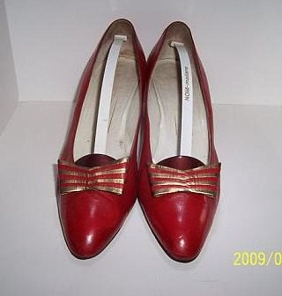 Vintage leather Shoes in red bought in Italy Bruno Magli size 9 - 40 euro