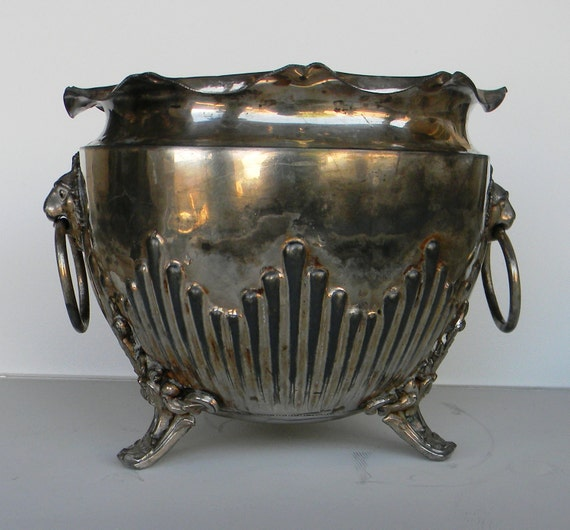 Vintage English cache pot, planter in pewter -