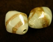 VINTAGE LAMPWORK GLASS Beads Gold Foil Bi-cone Focal 19x16x12mm pkg 2 gl347