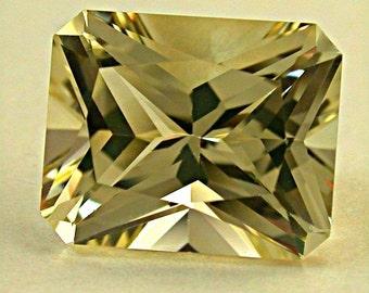 Vintage GOLDEN SUNSTONE Faceted Barion Emerald cut gemstone 4.15cts fg80
