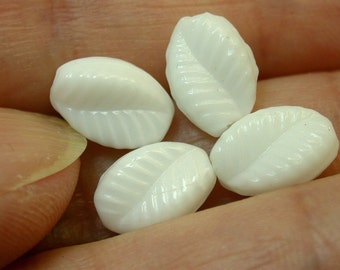 Vintage German WHITE LEAVES GLASS Beads 10.5mm pkg 4 gl623