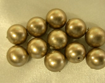 Vintage LUCITE GOLD PEARL Beads 8mm pkg12 res15