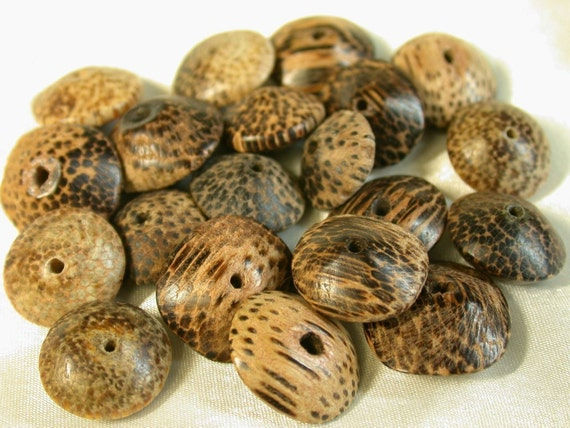 Vintage Wood Beads Philippine Brown Black SPOTTED PALM WOOD 15mm pkg 20 cb100