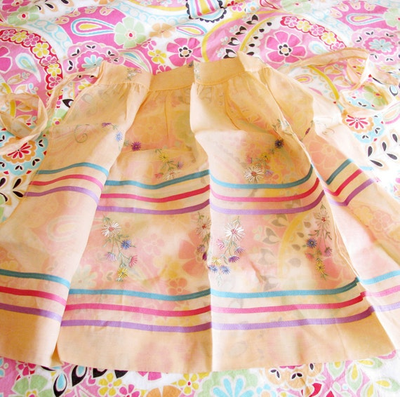 Twirly Skirt Girl...Vintage Embroidered Hostess Apron