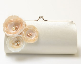 Ivory Bridal Clutch - Bridesmaid Clutch -Ivory & Vanilla Flower Blossoms with Pearls - Kisslock Snap Bouquet Clutch