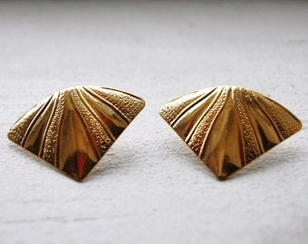 Vintage 1970s Texture Fan Post Earrings