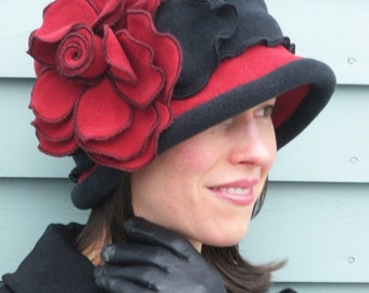 Polar Fleece Ladies Hat - Flapper Cloche- Vintage Style - Red and Black - Charlotte