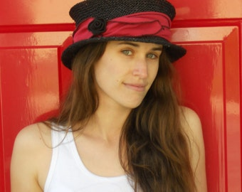Straw Travel Hat - Seagrass - Organic Jersey Band - Red - Suitcase Sally