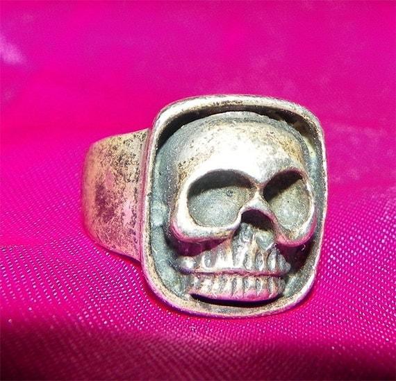 Vintage Sterling Silver Skull Ring