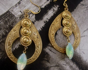 QUEEN of AVALON Earrings