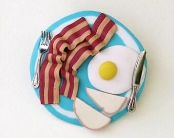 Breakfast Plate brooch