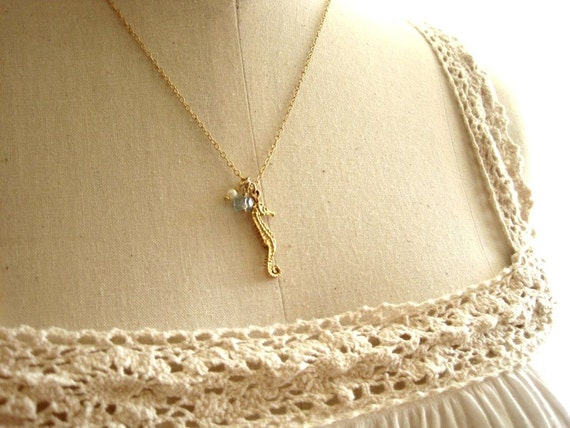 Seahorse necklace - Mo'o Lio Gold