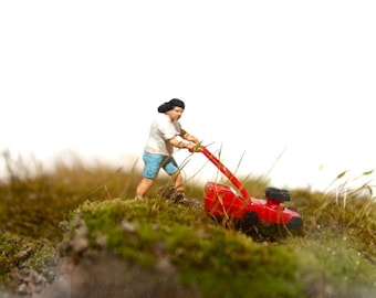 Mow it //  A lawnmower for your terrarium