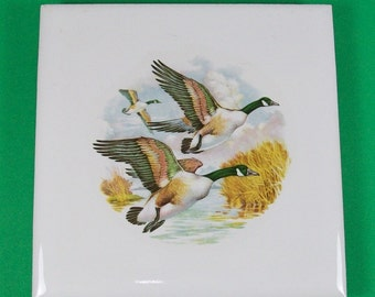WhiteTrivet with Flying Geese - Handmade Ceramic