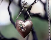 Sutured heart necklace natural bronze long and sexy vintage chain
