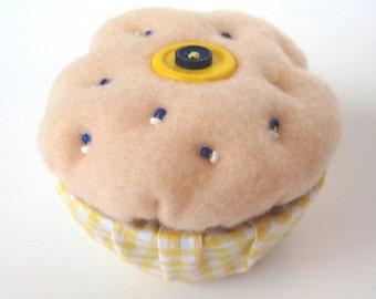 Cupcake Trinket Box, Cupcake Keepsake Box, Beaded Felt Box, Treasure Box, Ring Box, Decorative Box