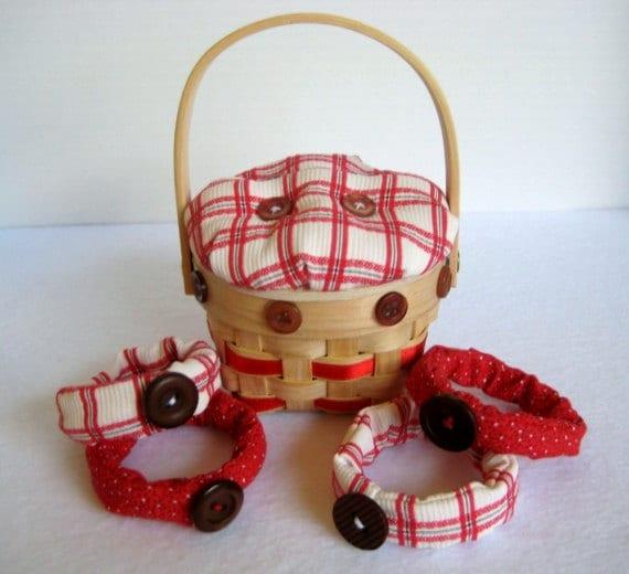 Napkin Ring Set in Mini Picnic Basket