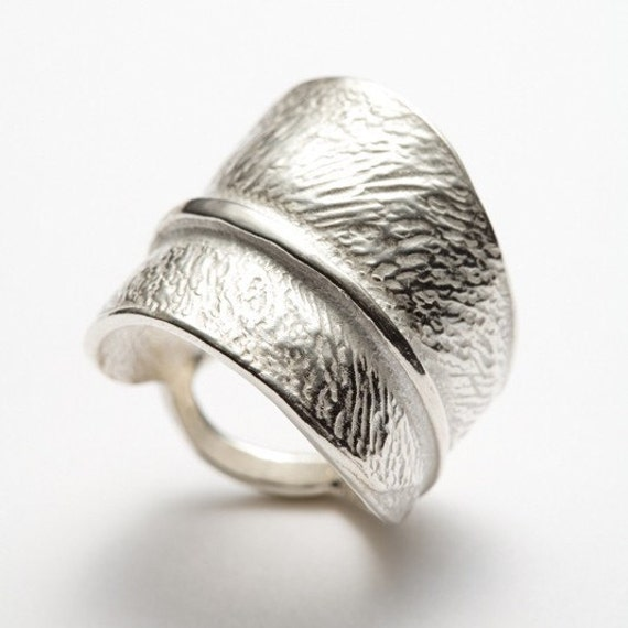 Silver leaf ring, size 6, 7, 8, Central Park - Red Sofa jewelry - for nature lovers, elegant and organic