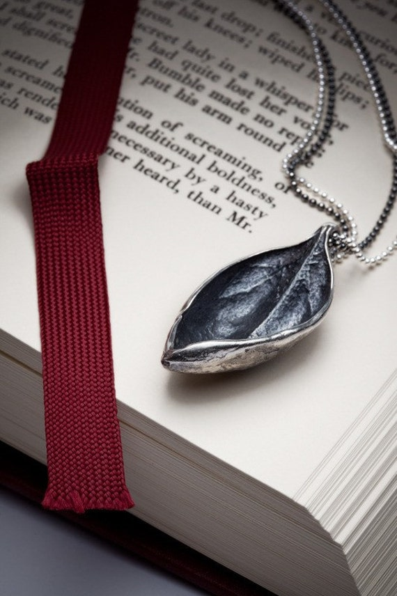 LAST ONE: Textured leaf necklace in sterling silver - Bahama Leaf - RedSofa jewelry