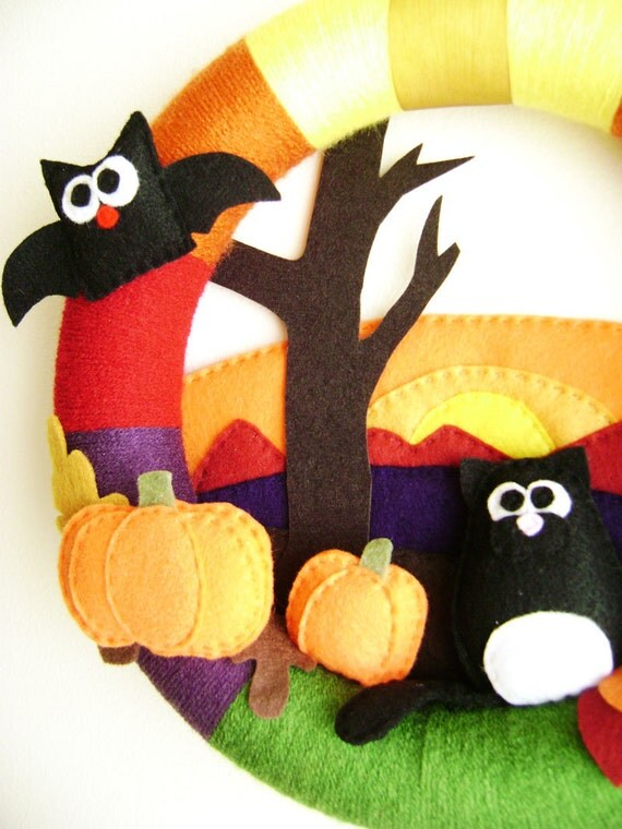 Felt and Yarn Wreath - Hallows Eve -  Made to Order - Black Cat Bat Fall Leaves