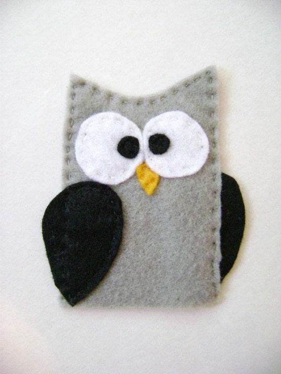 Dorian the Grey Owl - Felt Finger Puppet