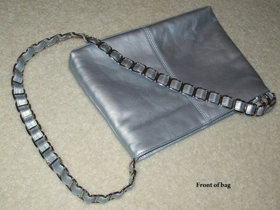 Silver Leather Cee Klein Handbag . Chain and Leather Strap . Sleek and Modern . REAL VINTAGE 80s