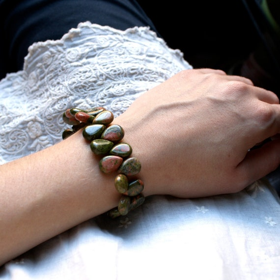 Unakite Bracelet . Green Stone Bracelet . Unakite Beaded Cuff Bracelet . Chunky Bracelet . Statement Bracelet - Tocantins Collection