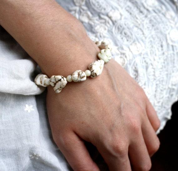 SALE 50% Off - White Turquoise Bracelet . Genuine Turquoise Bracelet . Turquoise Nugget Bracelet . Chunky Turquoise Jewelry Boho - Taurus