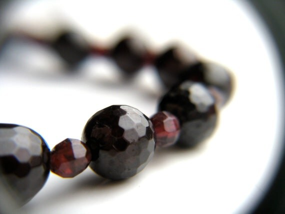 Red Garnet Necklace . Faceted Garnet Necklace . January Birthstone Jewelry . Raw Garnet Necklace . Dark Red Necklace - Medoc Collection