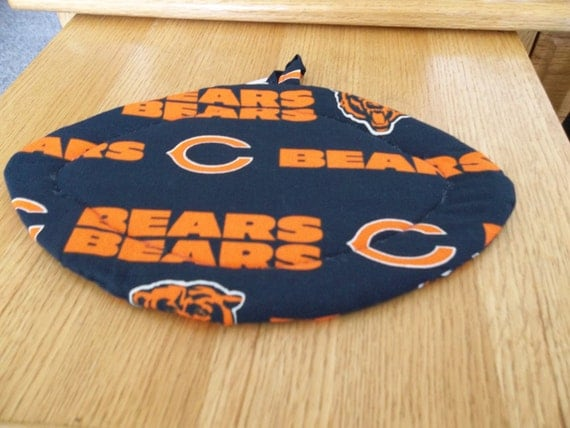 Chicago Bears, Quilted Pot Holders, Potholders Hot Pads Trivet Football Shape, Football Decor, Cotton Fabric, Double Insulated, Hostess Gift