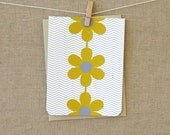 Stationery - set of 8 folded note stationary   :  3 flowers centered