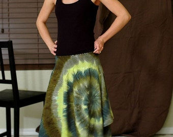 Tie Dye Hankie Hem Skirt in Green Swirl
