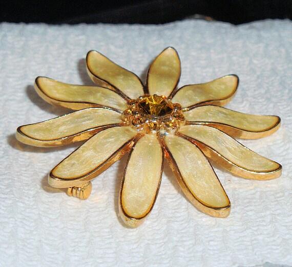 80s Vintage Brooch, Enameled Floral Brooch, Ladies Flower Pin, Citrine Rhinestone Jewelry