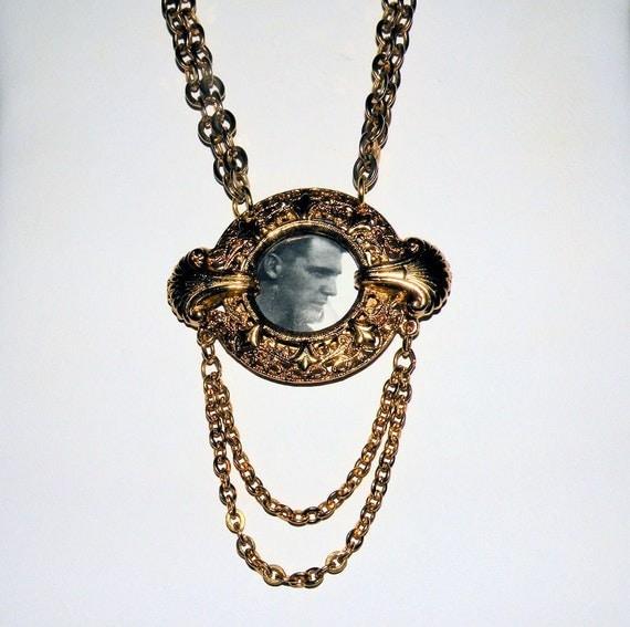 Vintage Emmons Necklace, Portrait Necklace Locket , Golden 26 inch  Emmons Chain, Vintage Ladies Necklace