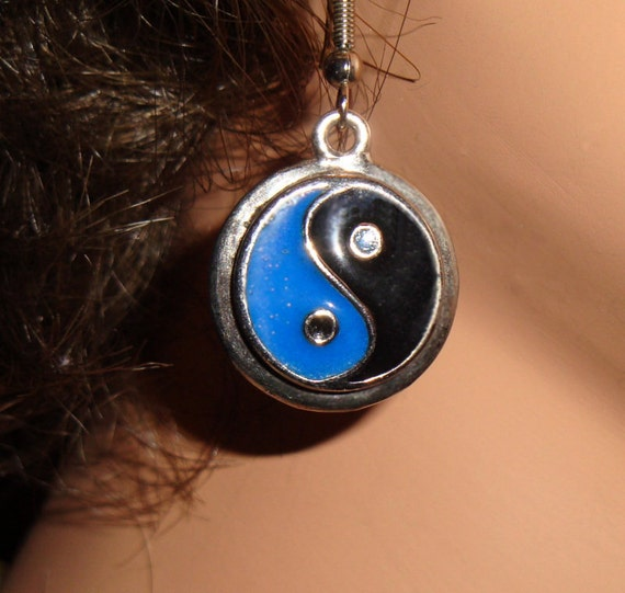 Yin Yang Earrings Blue Black Enameled on Wires