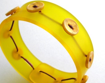 Sunny Yellow Bangle, Modern Plexi Jewelry, Acrylic Bracelet, Butterscotch Yellow, Lemon Drop, Vintage Buttons
