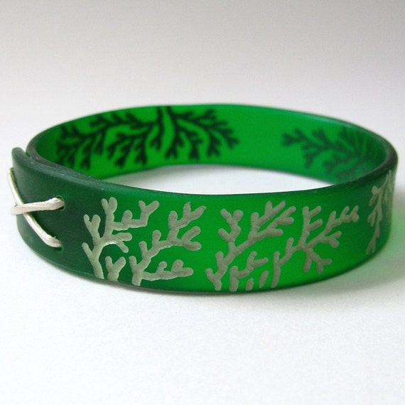 Green Bangle, Modern Plexi Bracelet, Lightweight Jewelry, Emerald Green, Algae Jewelry, Hand Engraved, Medium