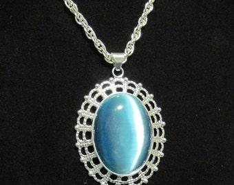 Teal Blue Cats Eye Cabachon Pendant Necklace 24 inch Chain
