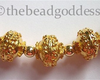 Pair Highly DETAILED GOLD VERMEIL Beads from India 10mm